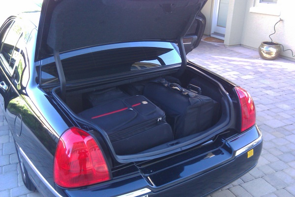 Lincoln Town Car Service Trunk Width