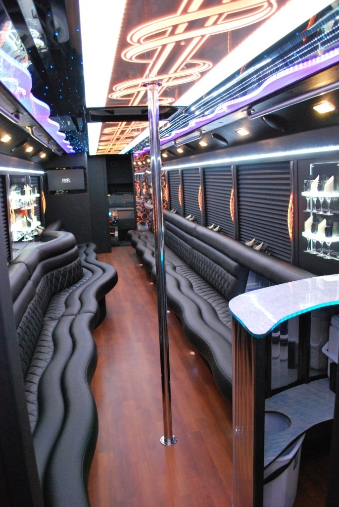US Bargain Limo Party Bus 40 Pax