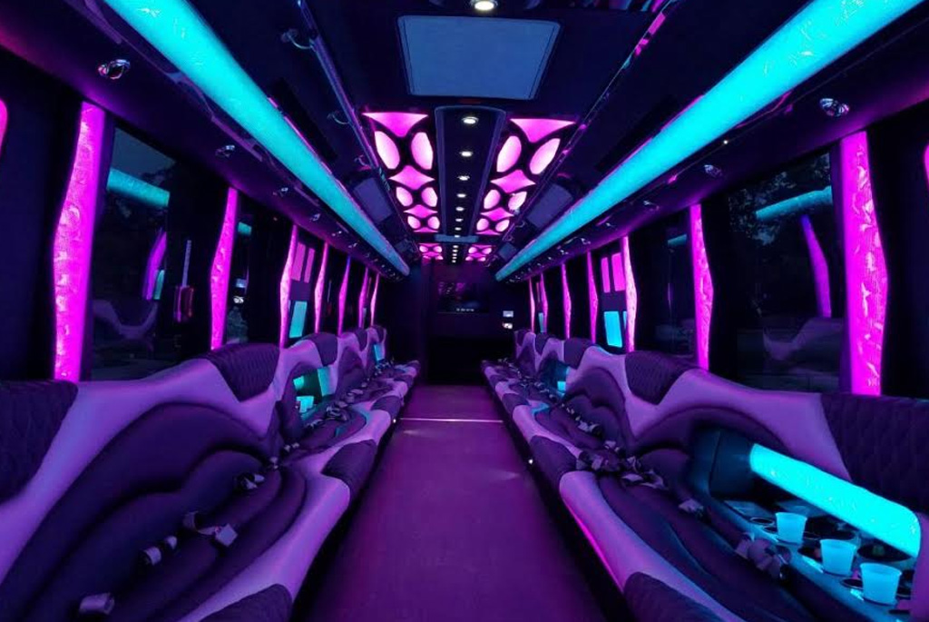 US Bargain Limo 52 Pax party bus